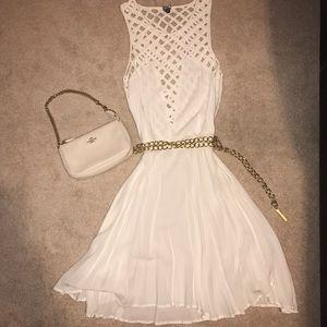 Dresses & Skirts - Sleeveless White Dress